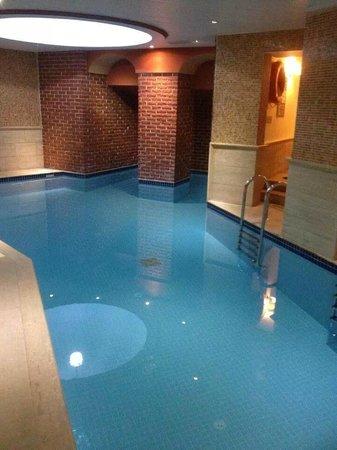 Orient Express Hotel: piscine