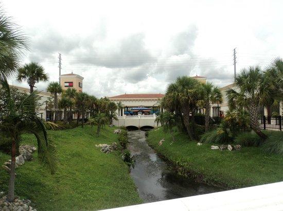 Orlando International Premium Outlets : Ampla área aberta