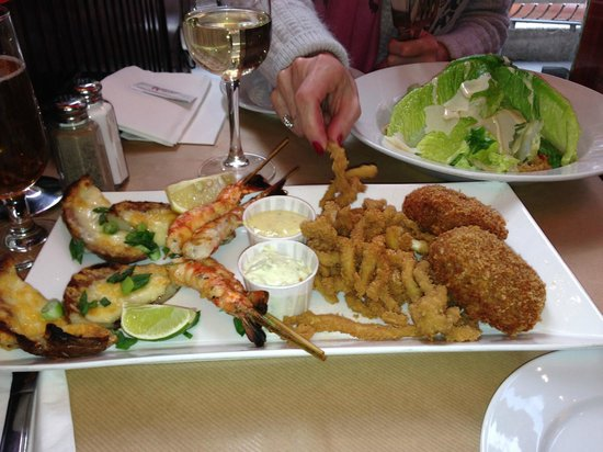 Maxwell's : Delicious Seafood Platter