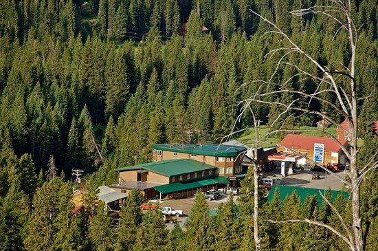 Soda Butte Lodge