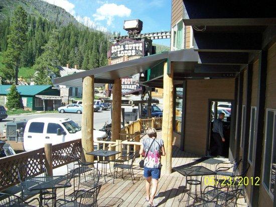 Soda Butte Lodge: Deck