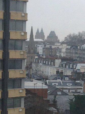 Holiday Inn London - Kensington : View of Kensington from Room