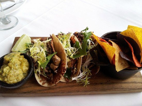 Palmeiras Beach Club at Grove Isle: Street Tacos
