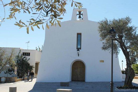Iglesia Es Cubells: Fachada de la iglesia de Es Cubells, Ibiza