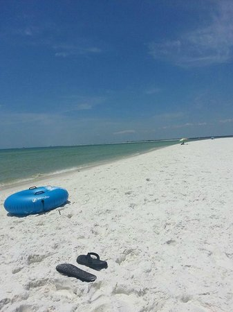 Fort Pickens Campground : Its easy to find a private spot on the beach.