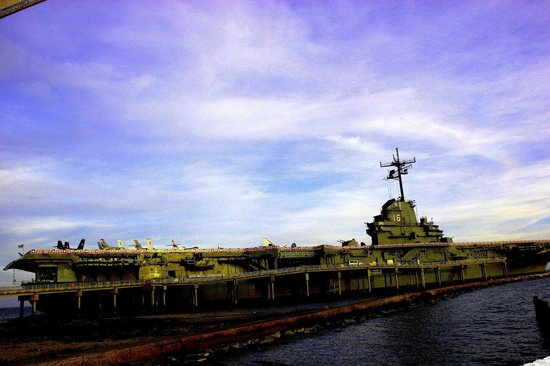 USS LEXINGTON DEC 3, 2013 PIC BY MARTHA AVILA