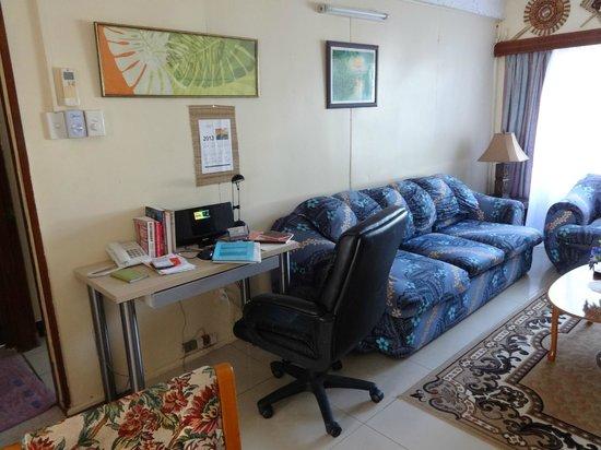 Captain Cook Apartments : lounge
