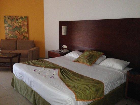 Now Larimar Punta Cana : Lit Queen