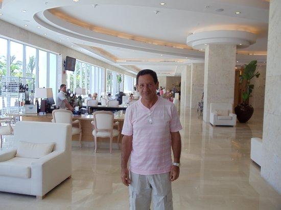 Grand Beach Hotel: HALL DE ENTRADA
