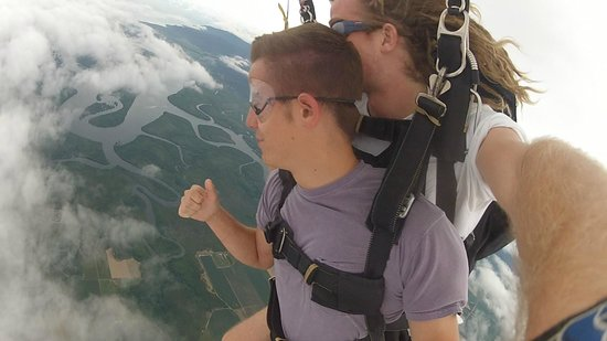 Skydive Cairns: Skydiving in Cairns!