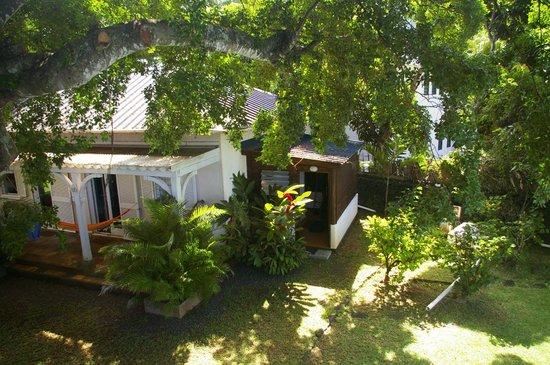 Tree Lodge Mauritius: L'annexe et salle de bains (no problemo)