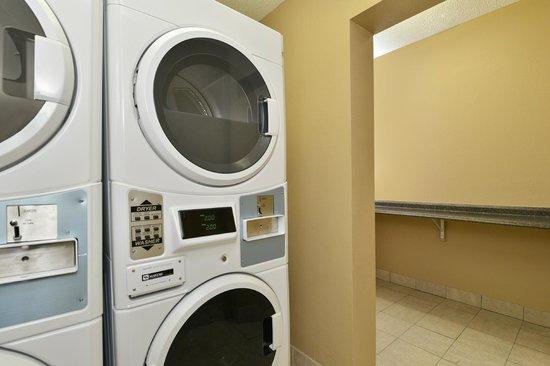 Comfort Inn Elizabeth City: Guest Laundry