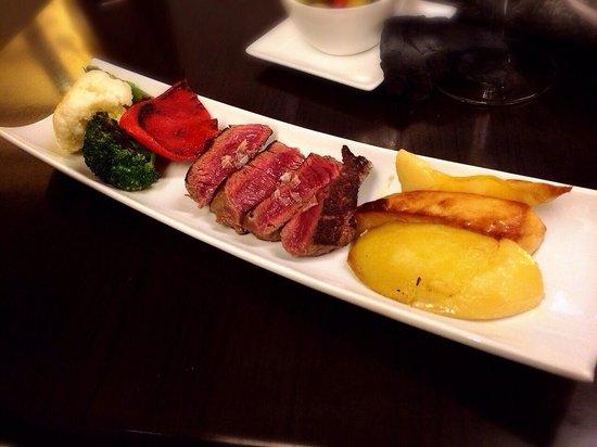 La Azotea : Very nice beef:) Good recommendation