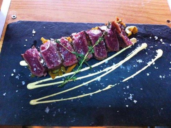 Restaurante El Aguador Nervion: Tataki de buey con verduritas thai