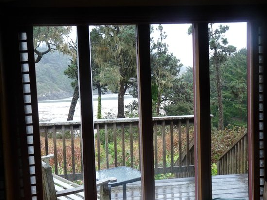 Alegria Oceanfront Inn and Cottages : View from bedroom
