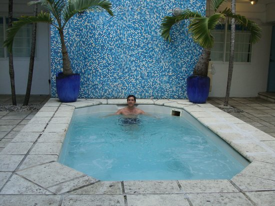 Aqua Hotel and Suites: Yacuzzi