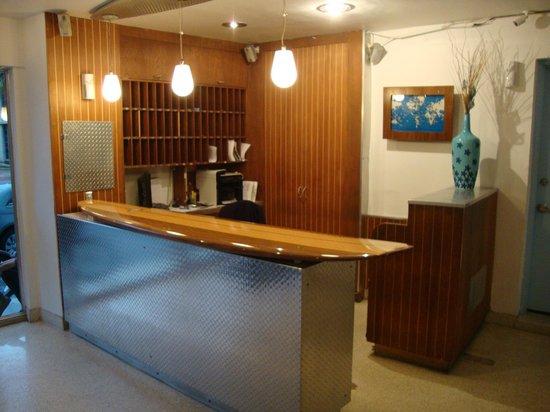 Aqua Hotel and Suites: Recepción del hotel