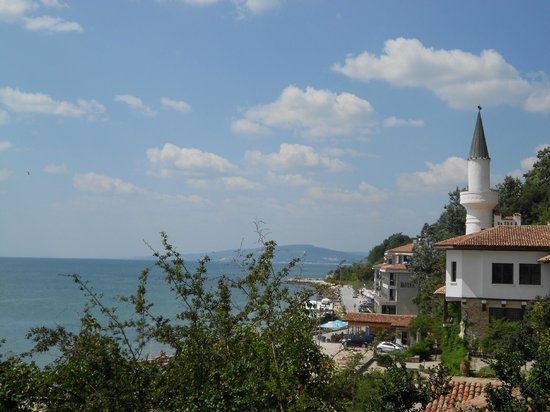 Palace and Botanical Gardens of Balchik: Queen Mary's Palace