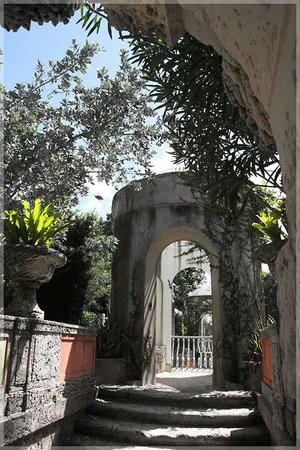 The View From The Walkway In Vizcaya Museum And Garden Picture Of Vizcaya Museum And Gardens