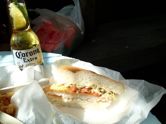 B.O.'s Fish Wagon : Grouper sandwich