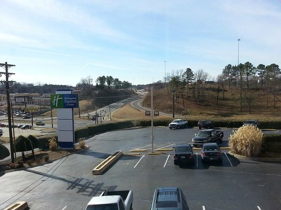 Holiday Inn Express Hotel & Suites Nashville - I-40 & 1-24 (Spence Lane): Nothing else but a good location
