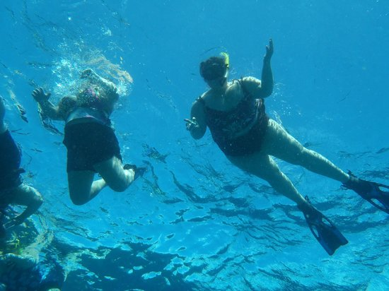 Two D's Diving and Tour Adventures: Sarah & Bea
