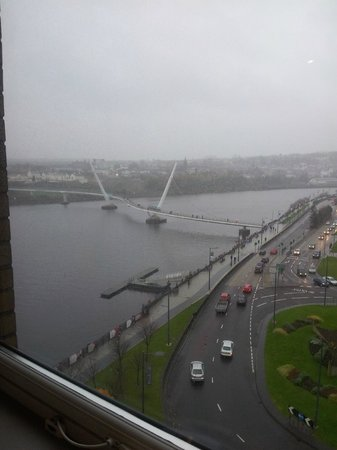 City Hotel : Peacebridge - typical Derry rain