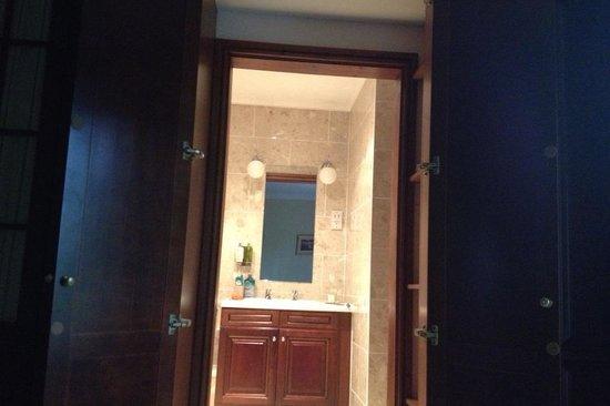 "Birchover Darley Abbey: ""Narnia"" bathroom...."