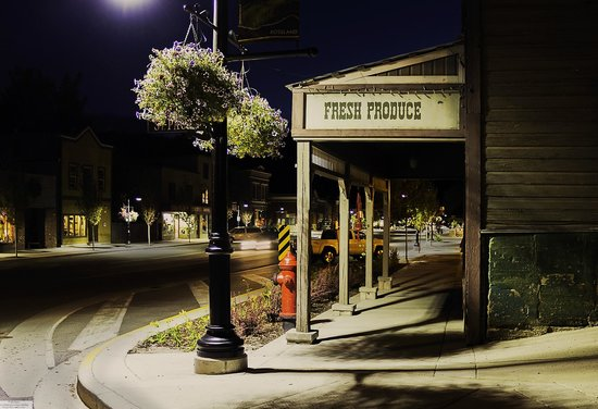 Downtown Rossland at night
