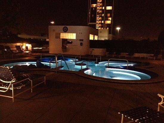 Doubletree by Hilton Grand Hotel Biscayne Bay: giant jacuzzi