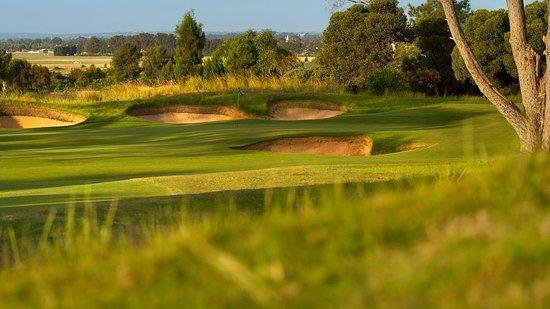 Glenelg Golf Club: 10th Green at sunset