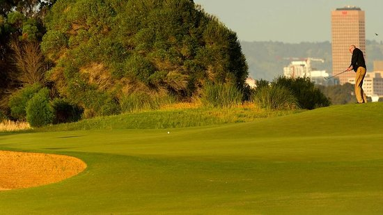 Glenelg Golf Club: 8th green overlooking the airport and city