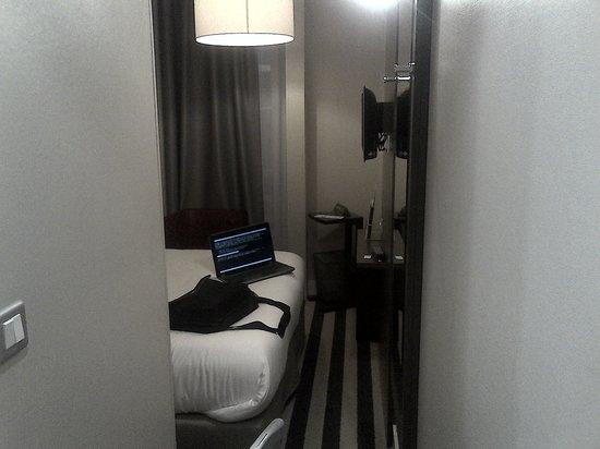 Ibis Styles Nantes Centre Place Graslin: entrée chambre