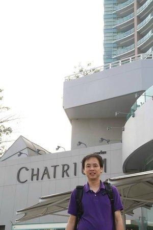 Chatrium Hotel Riverside Bangkok : Breakfast areas alongside the Chao Pra Ya River