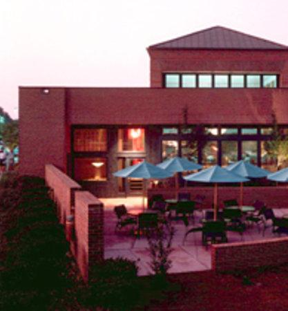 Trio Restaurant Exterior