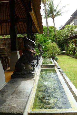 Ramayana Resort & Spa: Grounds