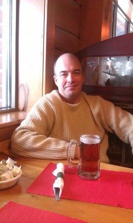 Kodiak Jack's Steak and Seafood: Enjoying a beer