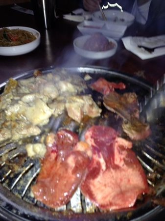 YakiniQ BBQ: sizzling good!