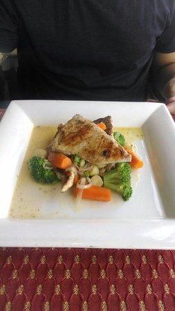 Lo de Tere: Atlântico...ótimo peixe, carne mais firme e saborosa... Até os legumes eram bons...kkk