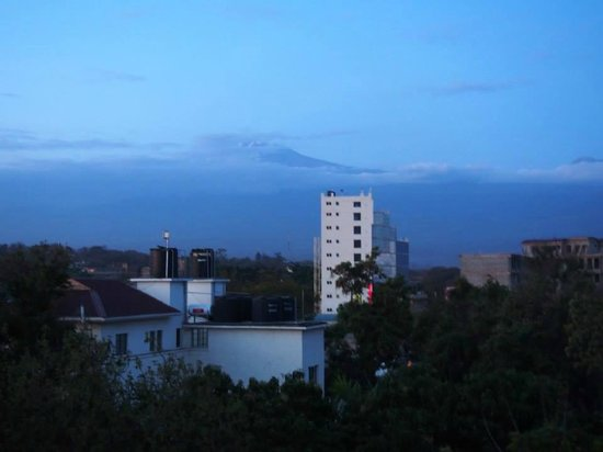 Bristol Cottages Kilimanjaro : view of Kilimanjaro from the top floor balcony