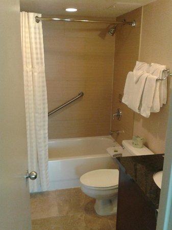 Doubletree by Hilton Philadelphia Center City: banheiro