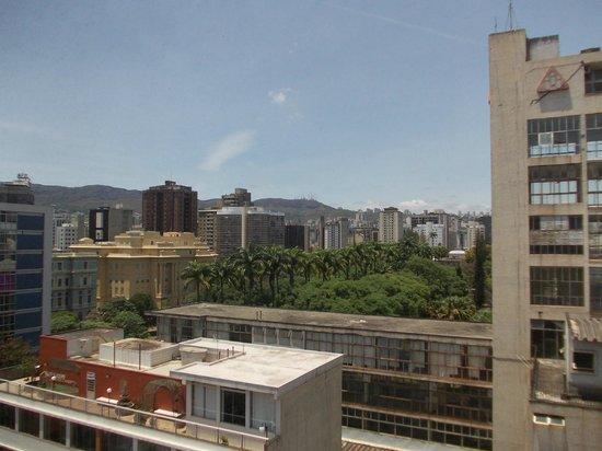 Ibis Belo Horizonte Liberdade: Espiando a Praça da Liberdade