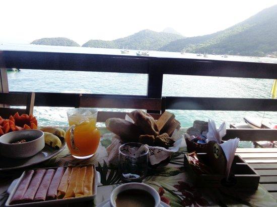 Café da Manhã na Pousada Convés