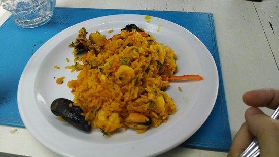 Virazon: Paella...porção enorme, muito saborosa!!