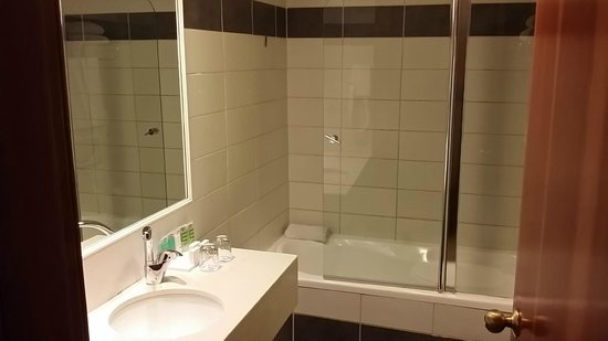 BY 14 TLV Hotel : Bagno