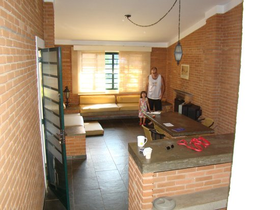 Grinberg's Village Hotel: Sala do chale