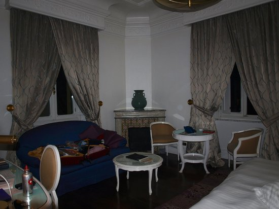 Hotel Majestic Roma : seating/dining area room 420