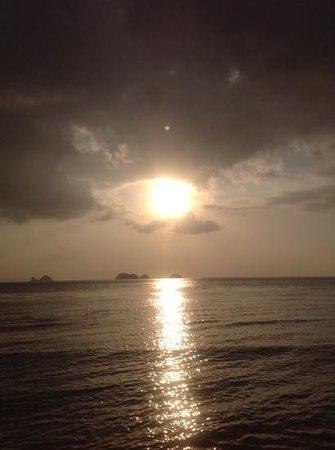 Sibaja Palms Sunset Beach Resort: sunset