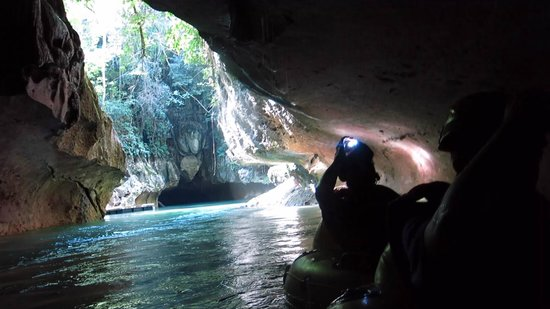 Cave Tubing.Bz: As we enter the first cave