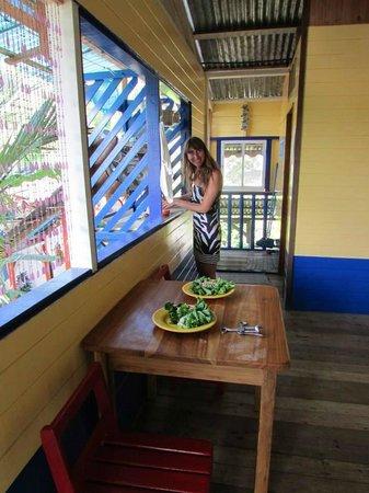 Hotel Los Suenos : Preparando una exquisita ensalada chielnocaribeña